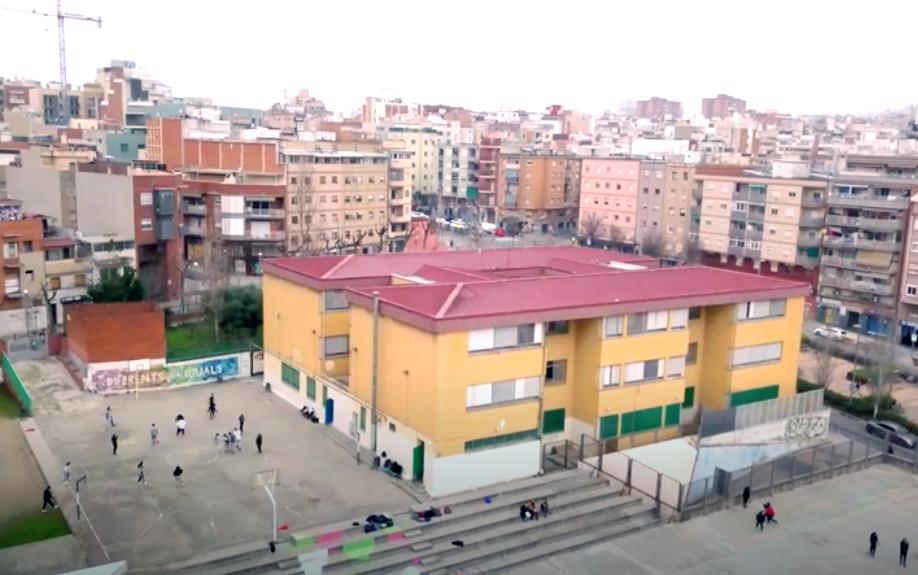 Imatge aèria de l'institut Rubió i Ors de L'Hospitalet de Llobregat